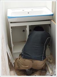 配管の移設作業
